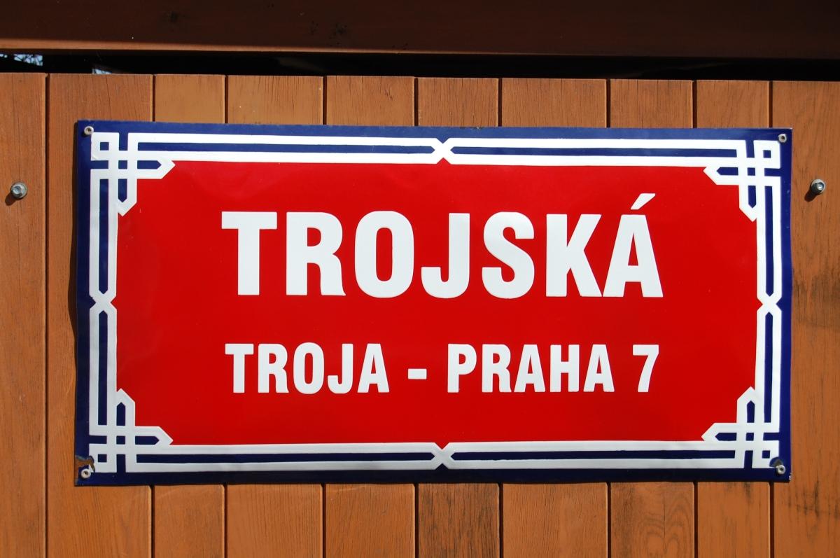 Troja: neighborhood sign