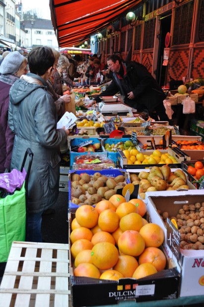 Outside Indoor Market, street vendor, Dijon