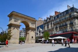 L' édito, Place Darcy, Dijon