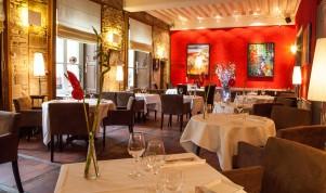 """Les Oenophiles,"" interior, Dijon, France par http://www.hotelphilippelebon.com/en/restaurant"