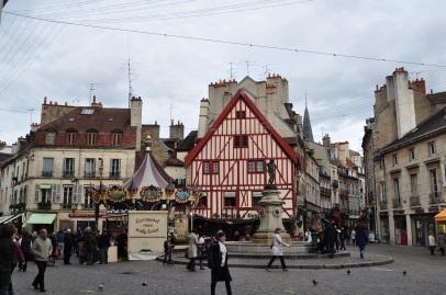 Merry-go-round/Carrousel, place François Rude, Dijon