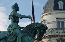 Joand'Arc Monument, Orléans, Loire Valley, France par http://www.ploync.de/reisen/401-orleans-jeanne-darc-kathedrale-sainte-croix-festspiele.html