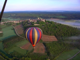 Hot-air balloon ride, Burgundy, France from http://www.france-balloons.com/