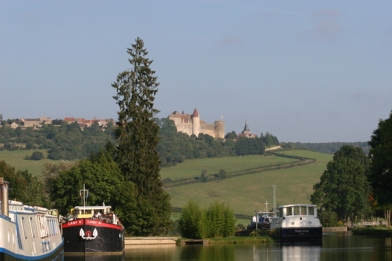 Burgundy Canal Cruise, Burgundy, France from http://www.burgundy-canal.com/