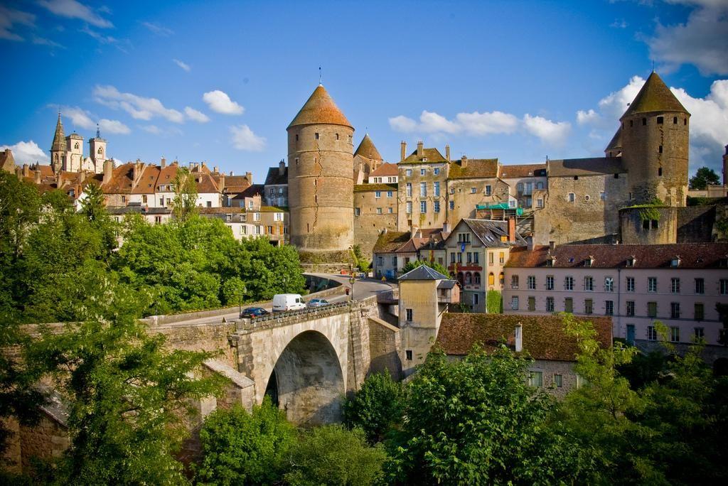 Semur en auxois burgundy france le splendide voyage - The splendid transformation of a vineyard in burgundy ...